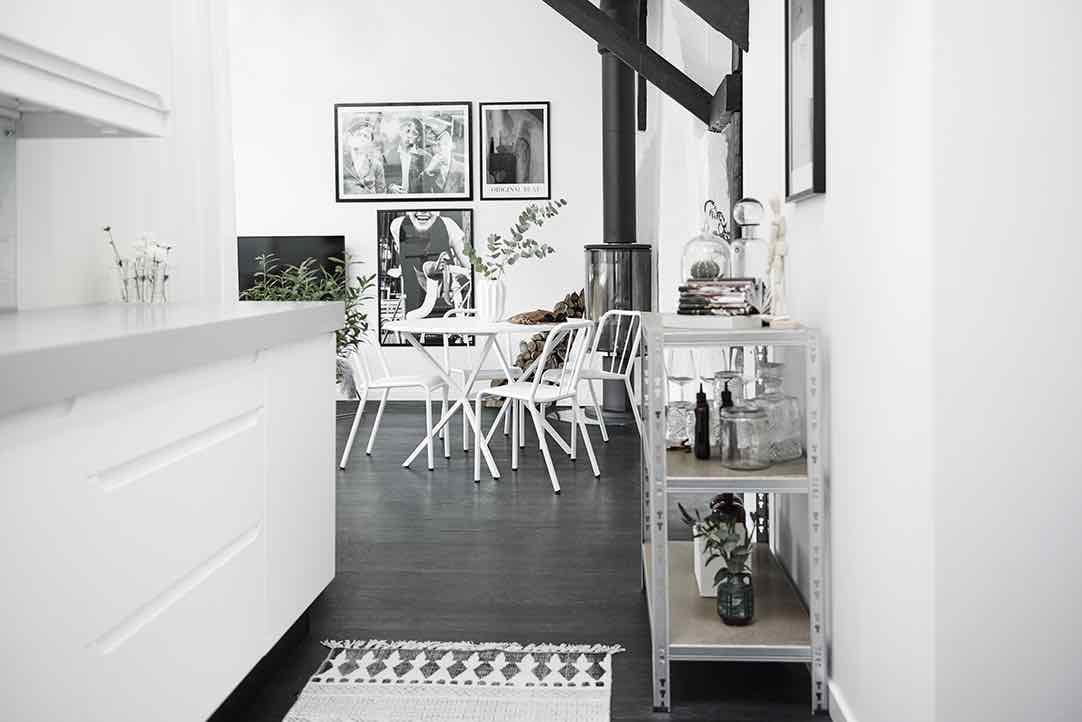 Maisonette Wohnung schwarz weiss Inspiration