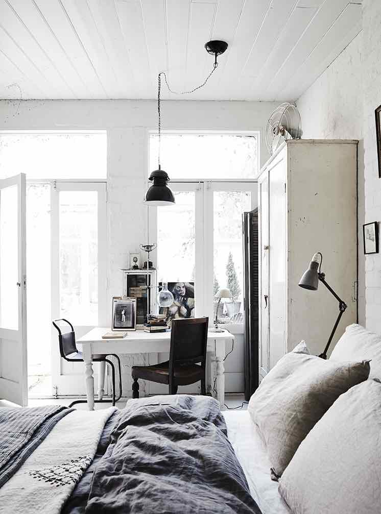 White-Room5