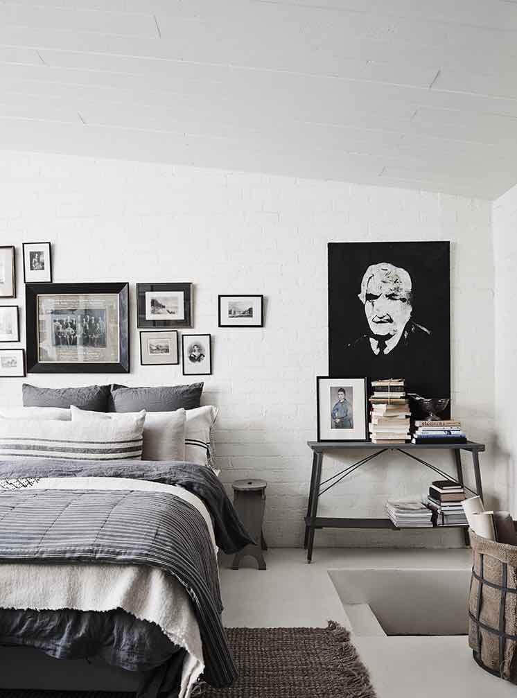 White-Room9