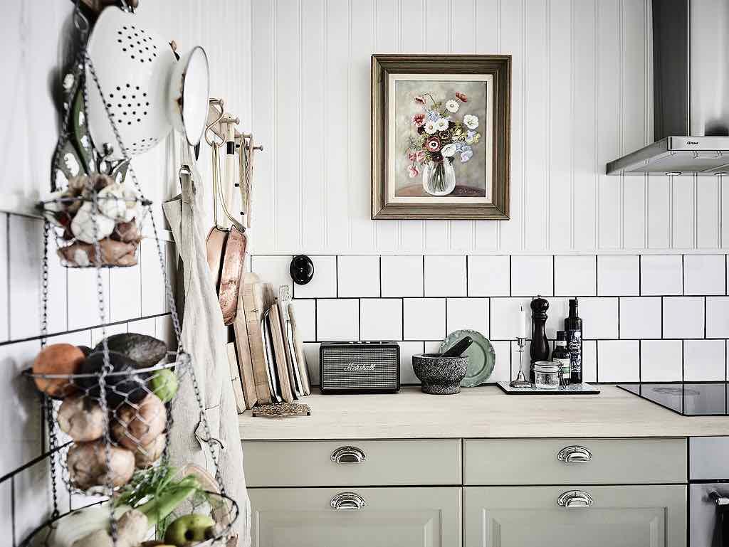 Gemutliche wohnung im vintage stilmix designs2love for Küche hellgrün
