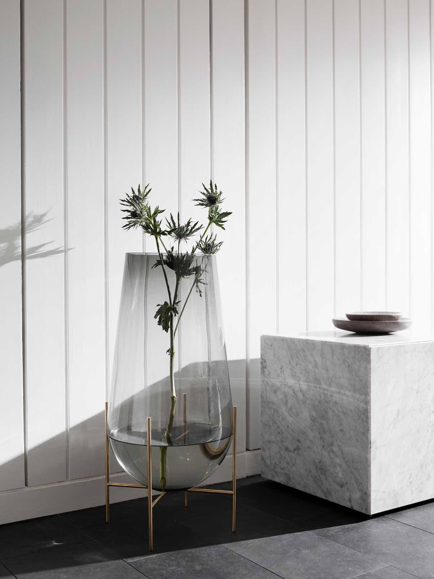 Plinth Vase menu SS 17