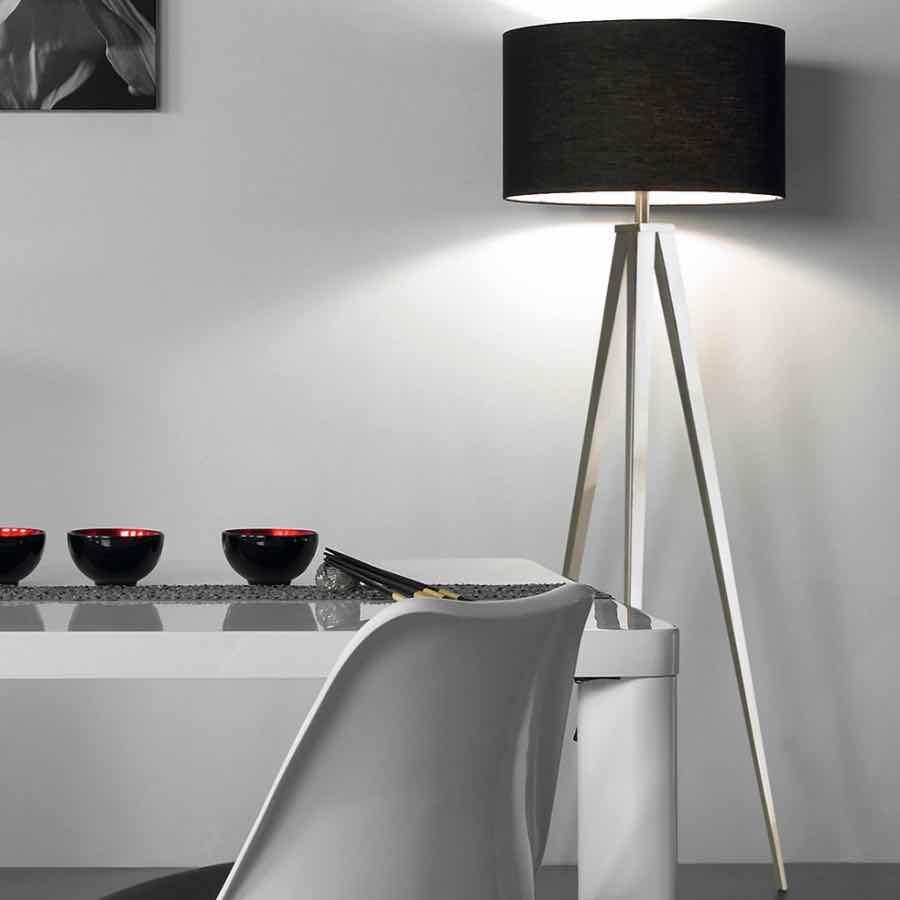 Stehlampe Dreibein Schwarz